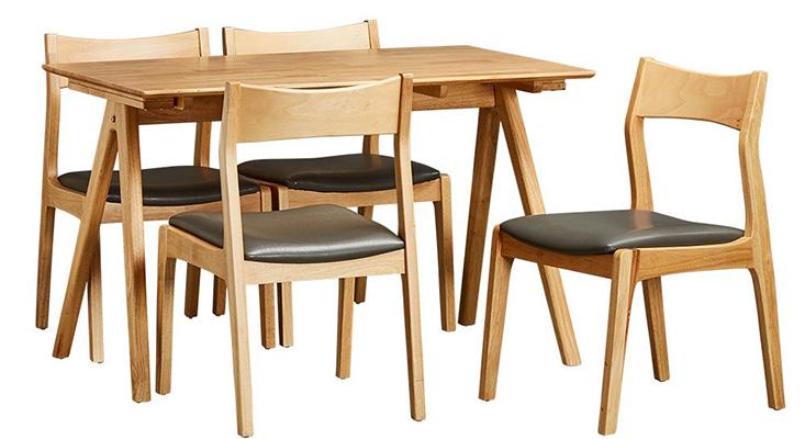 Bộ bàn ăn 4 ghế có trọng lượng nhẹ và khả năng chống mối mọt cực tốt.